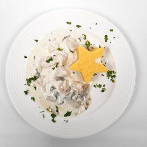 Ciulama de pui cu ciuperci,mamaliguta si smantana (250/150 g/ 50g)