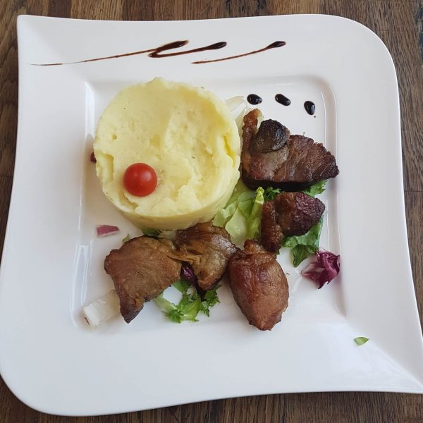 Pulpa de porc afumata (garnita) (200 g)