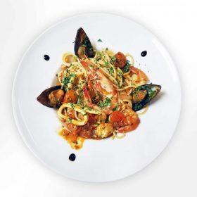 Paste-spaghetecu-fructe-de-mare2-copy-600x600-1